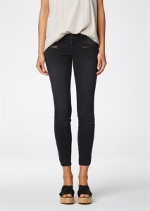 0011607_sid-ankle-jeans-washed-black_383